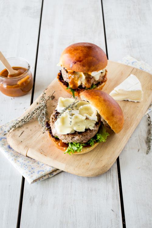 burger de printemps agneau camembert sauce thym piment. Black Bedroom Furniture Sets. Home Design Ideas