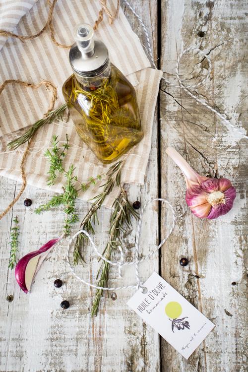 huiles parfumées-thym, ail & romarin