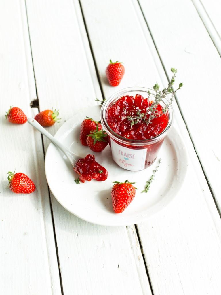 confitures maison aux herbes fraiches - fraise-thym